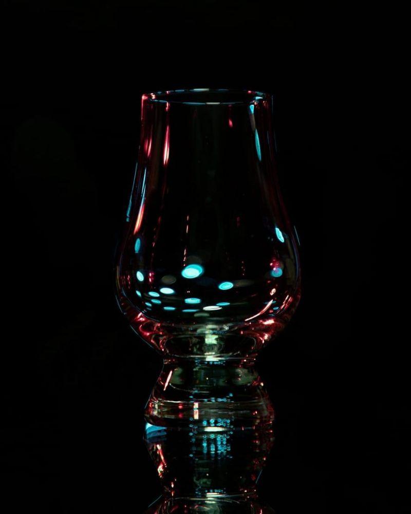 01 - Luci e bicchieri - Maurizio Vegetti