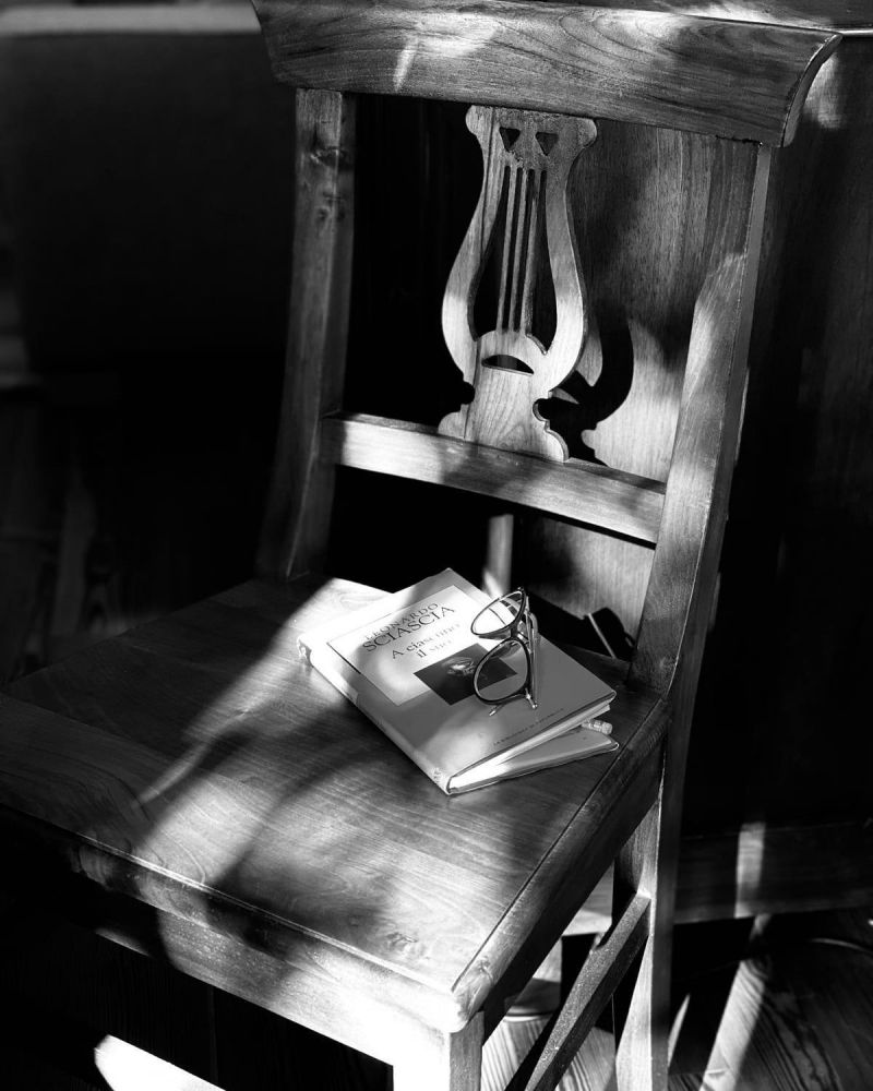 03 - Le sedie ci parlano -Daniela Re