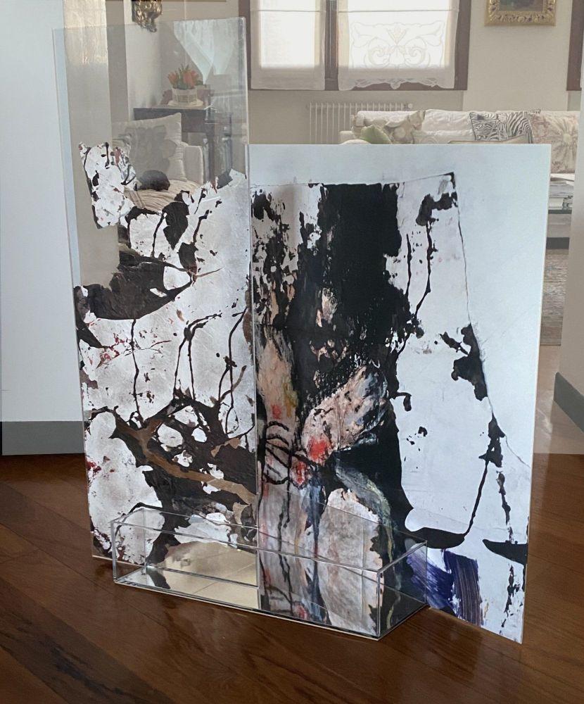 Teresa Di Nicolantonio Scultura/pittura su plexiglass