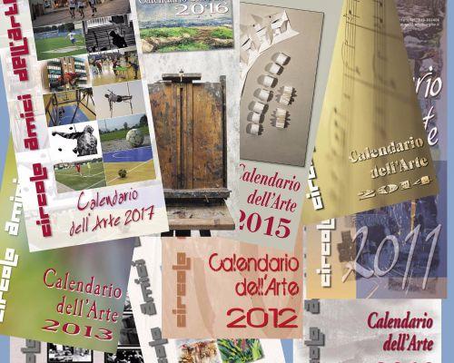 Insieme delle copertine dei calendari degli ultimi 10 anni
