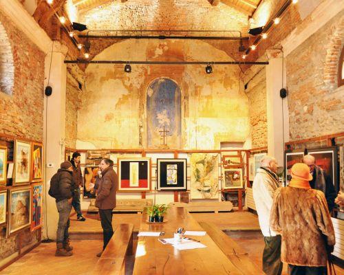 Aperta la mostra collettiva alla chiesetta del Bruno